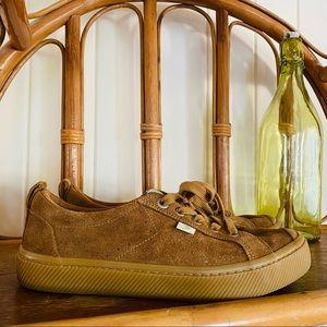 🌱 CARIUMA Sz 39.5 Suede Sneakers 'OCA Low'